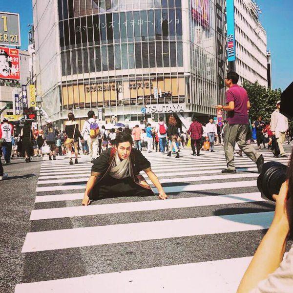 渋谷 スクランブル交差点で