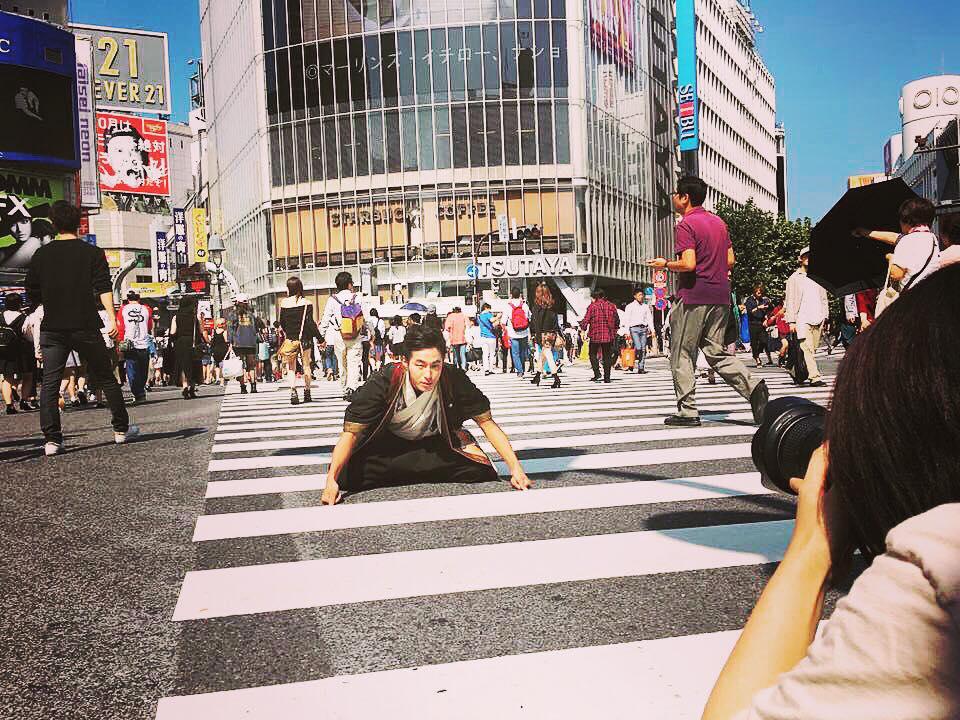渋谷スクランブル交差点で撮影|書道家/書家 杉田廣貴公式サイト